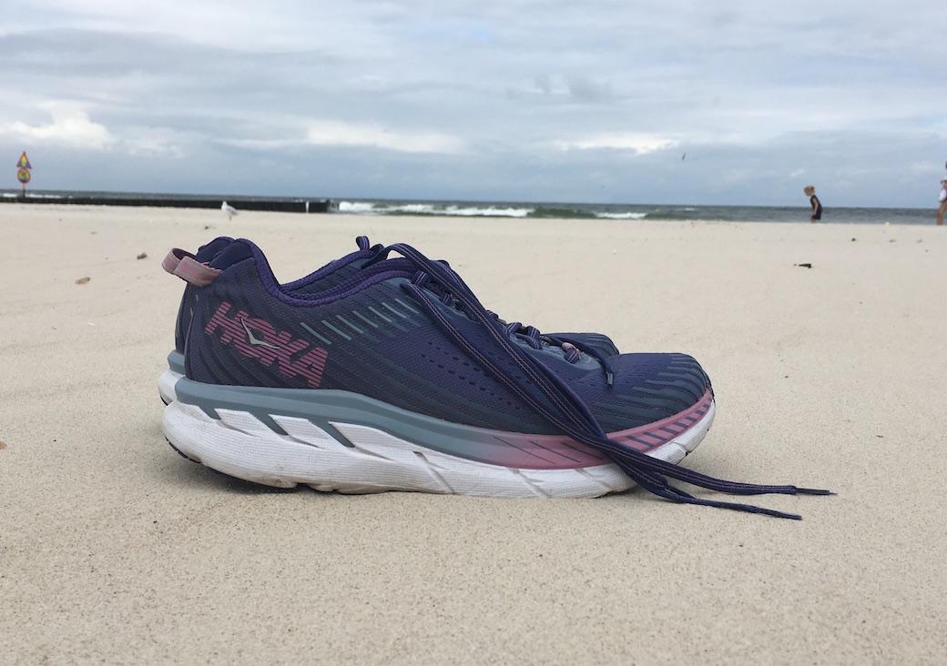 2c4e5ba1 Hoka One One Clifton 5 – recenzja butów – Kobiety Biegają